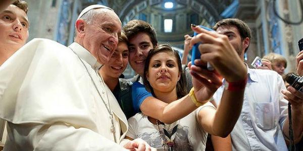 papa_jovens_selfie
