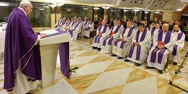 Francisco celebra na Casa Santa Marta destacando a gratuidade do amor de Deus / Foto: L'Osservatore Romano