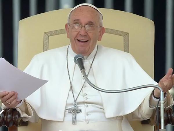 Francisco fala do matrimônio cristão e destaca a família como obra-prima da sociedade / Foto: Reprodução CTV