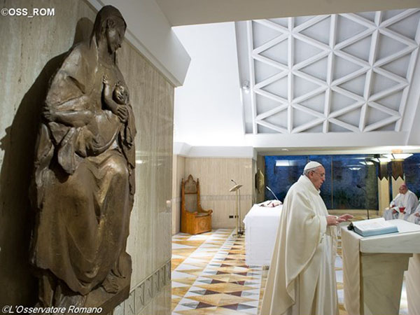 Francisco celebra a Missa na Casa Santa Marta / Foto: L'Osservatore Romano