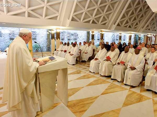 Francisco costuma celebrar a Missa na Casa Santa Marta pelas manhãs / Foto: L'Osservatore Romano
