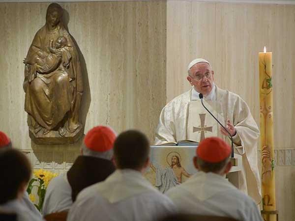 Francisco explica como identificar o verdadeiro amor: este é marcado pela concretude e pela comunicação / Foto: L'Osservatore Romano