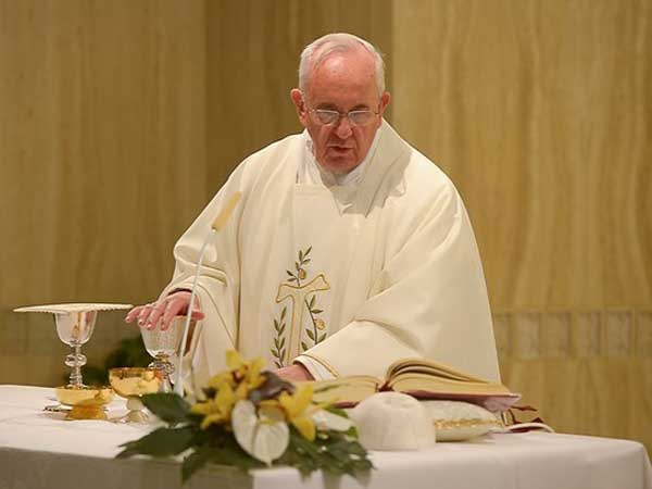 Francisco diz que entregar-se a Deus é um caminho para a esperança e a paz / Foto: L'Osservatore Romano