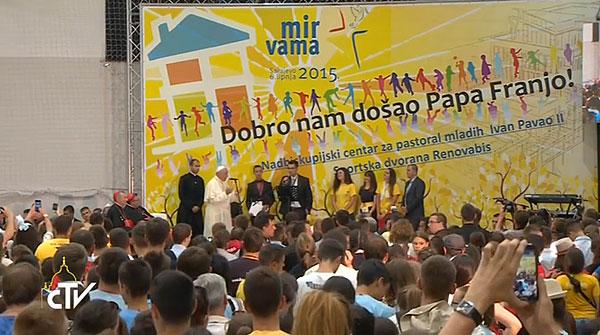 papa deixa tarefa a jovens de Sarajevo_paz