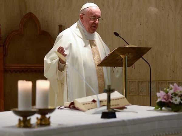 Francisco adverte sobre o perigo do barulho mundano, que afasta as pessoas de Deus / Foto: L'Osservatore Romano