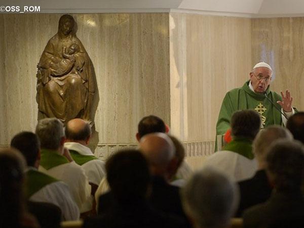 Francisco alerta sobre o perigo de enfraquecer a identidade cristã / Foto: L'Osservatore Romano