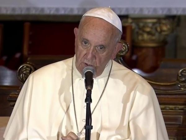 Francisco ficou tocado com o testemunho de três religiosos e suas capacidades de perdoar o mal sofrido / Foto: Reprodução CTV