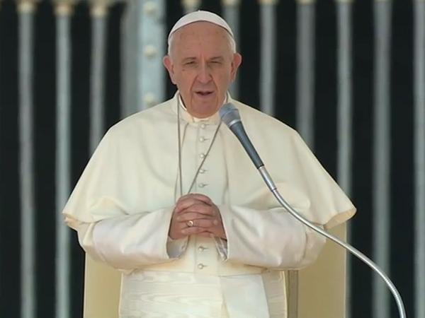 Francisco na catequese desta quarta-feira, 26, na Praça São Pedro / Foto: Reprodução CTV