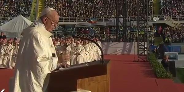 Multidão acompanha Missa do Papa em Florença / Foto: Reprodução CTV