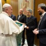 Papa reunido com representantes da comunidade islâmica italiana / Foto: L'Osservatore Romano