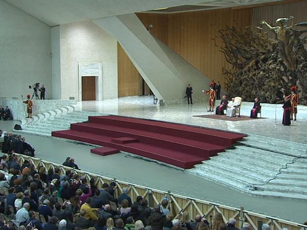Na Sala Paulo VI, agentes de peregrinações e operadores de santuários celebram Jubileu com o Papa / Foto: Reprodução CTV