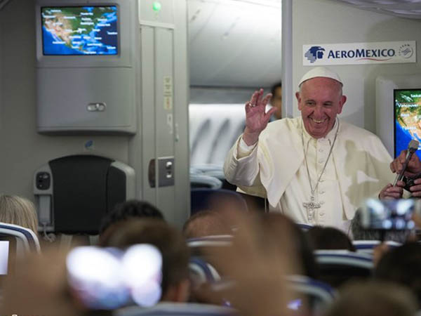 Papa na coletiva de imprensa no voo de retorno a Roma / Foto: L'Osservatore Romano