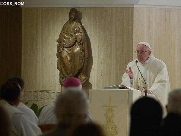 Francisco celebra Missa na Casa Santa Marta / Foto: L'Osservatore Romano