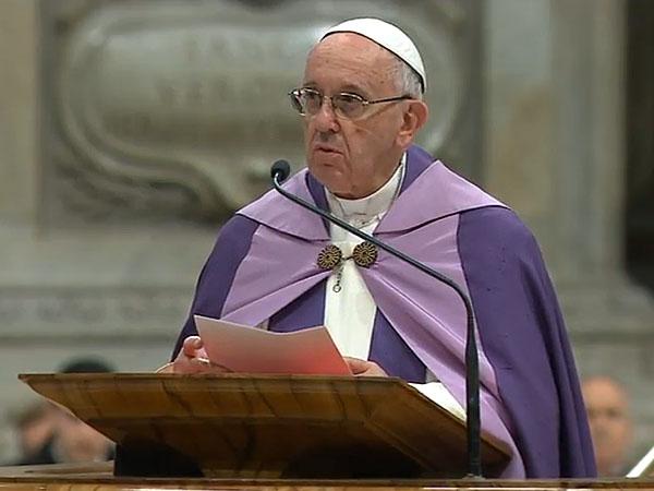A luz de Cristo convida a sair da cegueira tenebrosa, diz Papa em celebração penitencial no vaticano / Foto: Reprodução CTV