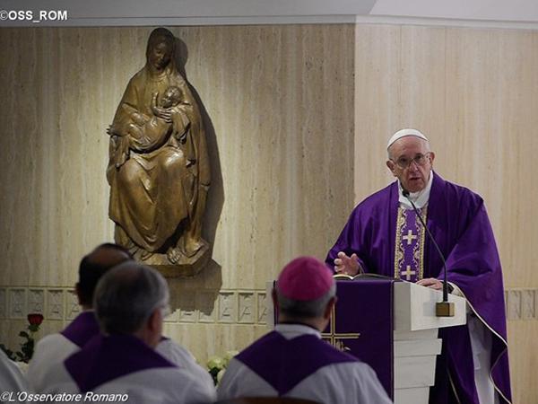 Francisco durante homilia / Foto: L'Osservatore Romano
