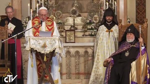 Papa discursa na catedral armena de Etchmiadzin e fala sobre unidade e fraternidade entre cristãos / Foto: Reprodução CTV