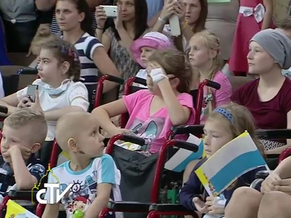 Pacientes do hospital acompanham discurso do Papa / Foto: Reprodução CTV
