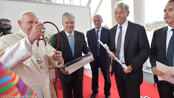Papa e participantes do Congresso Mundial de Cardiologia / Foto: L'Osservatore Romano