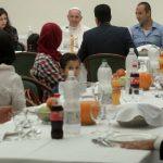 papa_almoço com refugiados