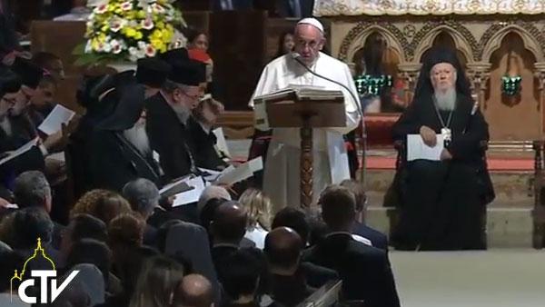 Francisco durante seu discurso na oração ecumênica em Assis / Foto: Reprodução CTV