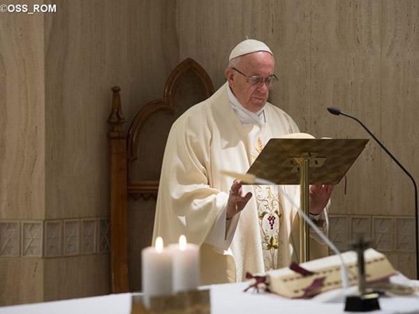 É preciso olhar e ver, ouvir e escutar o próximo que sofre, refletiu o Papa nesta manhã / Foto: L'Osservatore Romano
