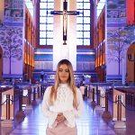 Camila Holanda dedica clipe em homenagem a Nossa Senhora Aparecida