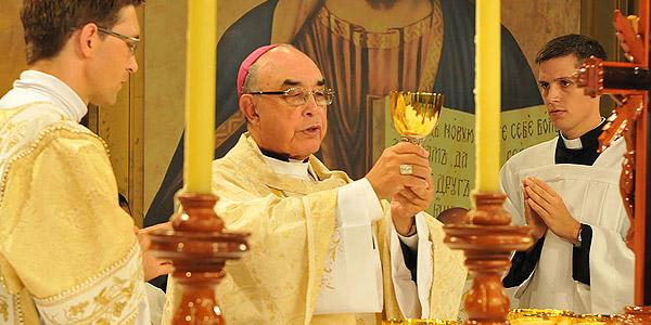 Dom Benedito Beni - Diocese de Lorena Preside Missa na Canção Nova