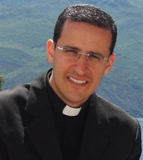 Padre Anderson Marçal, comunidade Canção Nova