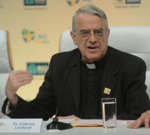 Padre Lombardi revela: Papa está muito contente com a acolhida no Brasil