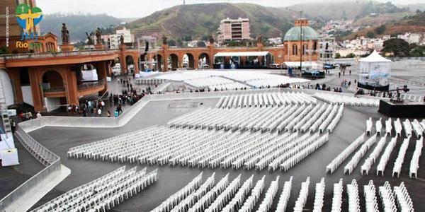 Amanhã estas cadeiras estará repleta de peregrinos para receber a benção do Papa Francisco. Foto: Alessandra Borges/ CN