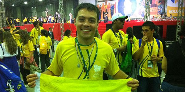 Yasmini, de 23 anos, voluntária do Rio de Janeiro