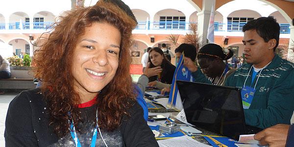 Jovem portuguesa partilha de encontro salesaino/Foto: Elcka Torres-CN