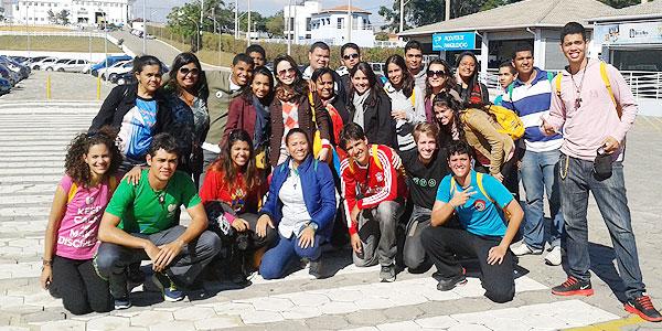 Grupo de Maceió visita a Canção Nova depois da jornada. Foto: Alessandra Borges/ CN