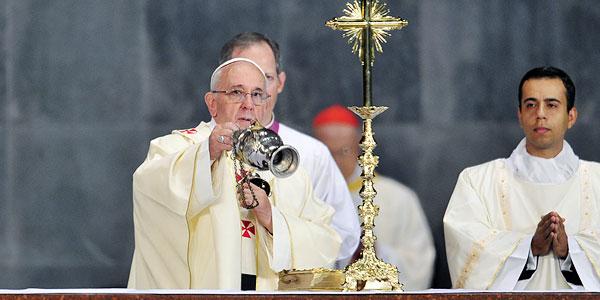 Papa Francisco celebra Missa na Catedral Metropolitana do Rio de Janeiro