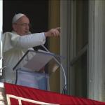 No Angelus, Papa pede orações por sua viagem ao Rio de Janeiro