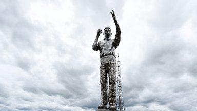Estátua do Padre Léo é inaugurada em Cachoeira Paulista