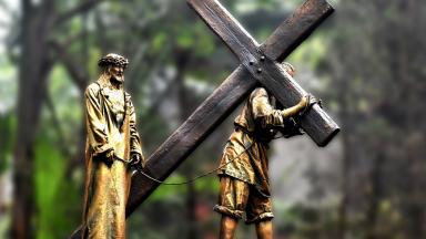 Fomos curados graças às chagas de Jesus