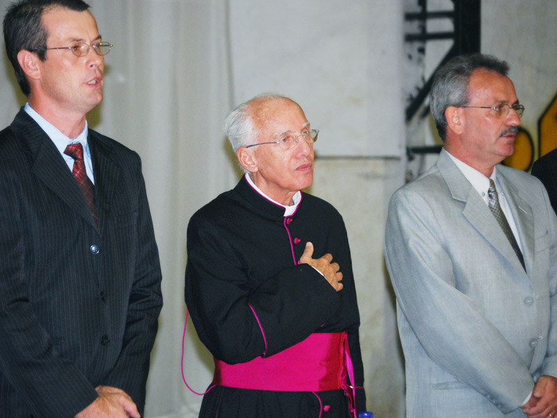 padre Jonas Abib recebe homenagem em sua cidade natal Elias Fausto