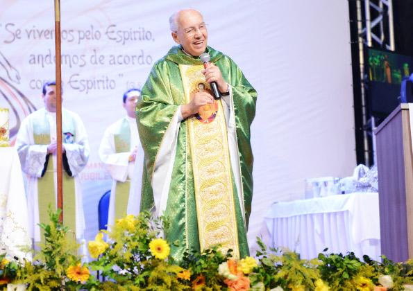 Monsenhor Jonas Abib preside Missa em Encontro Nacional da RCC