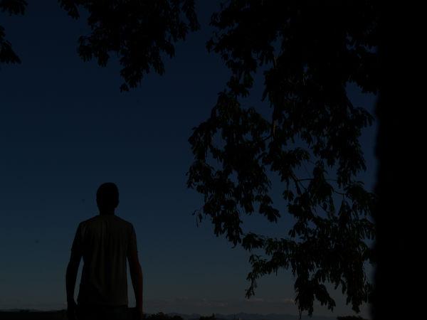 voce_esta_passando_pela_noite_escura