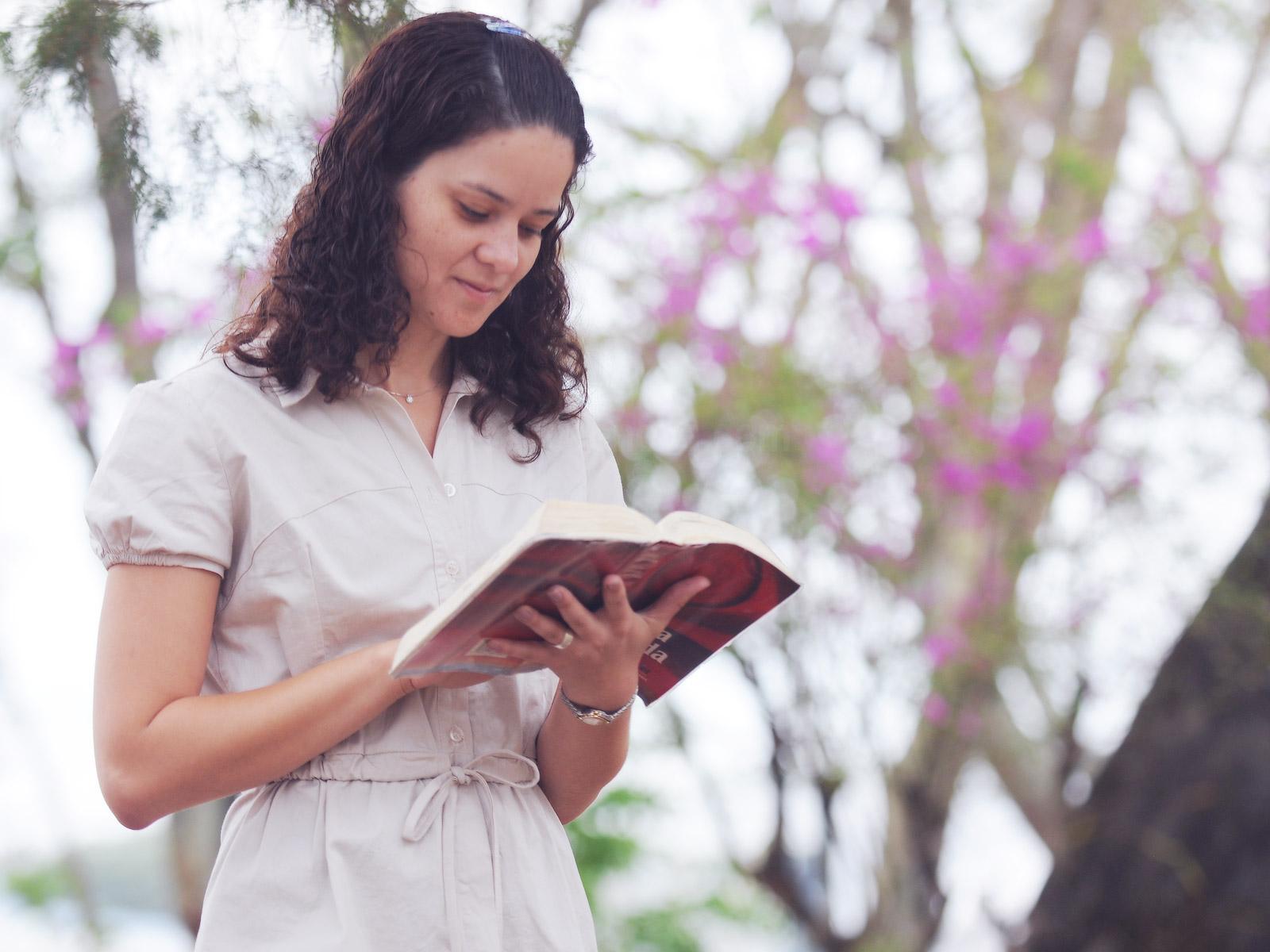 a_importancia_de_conhecer_a_deus_e_a_biblia