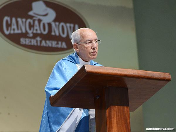 Monsenhor Jonas Abib prega no Canção Nova Sertaneja  - Foto: Daniel Mafra/cancaonova.com
