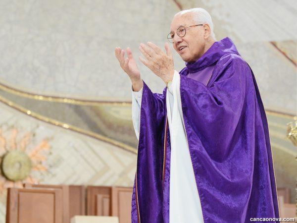 Monsenhor Jonas preside Missa pelo seu aniversário de 79 anos