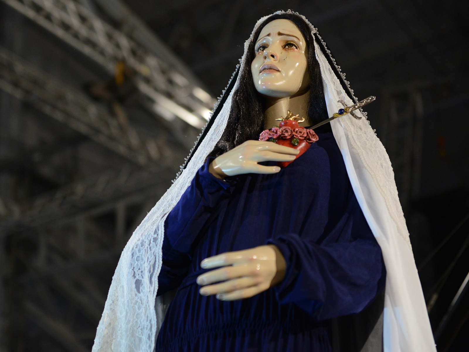contemplar-o-crucificado-com-maria