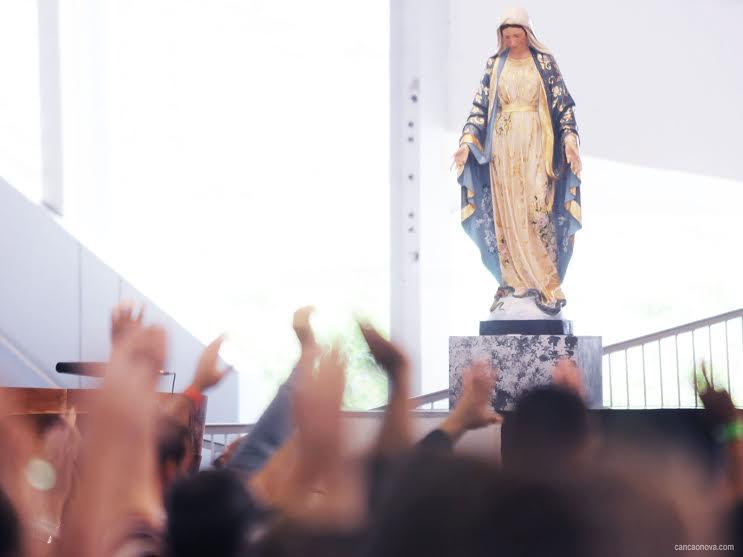 Com Nossa Senhora chegaremos a vitoria