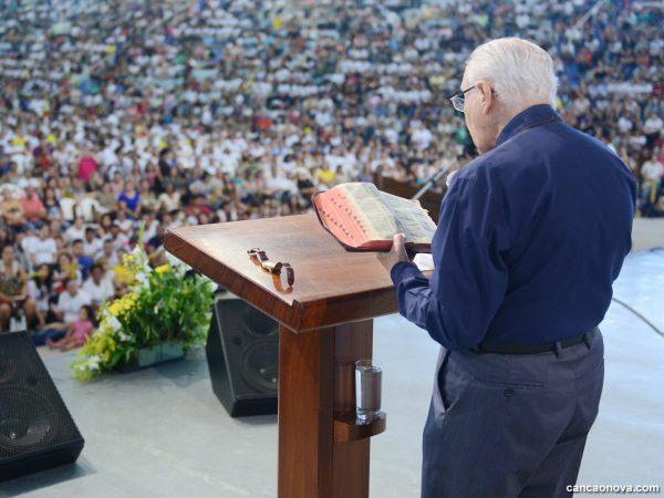 Sete direções de Monsenhor Jonas para ler a Palavra de Deus
