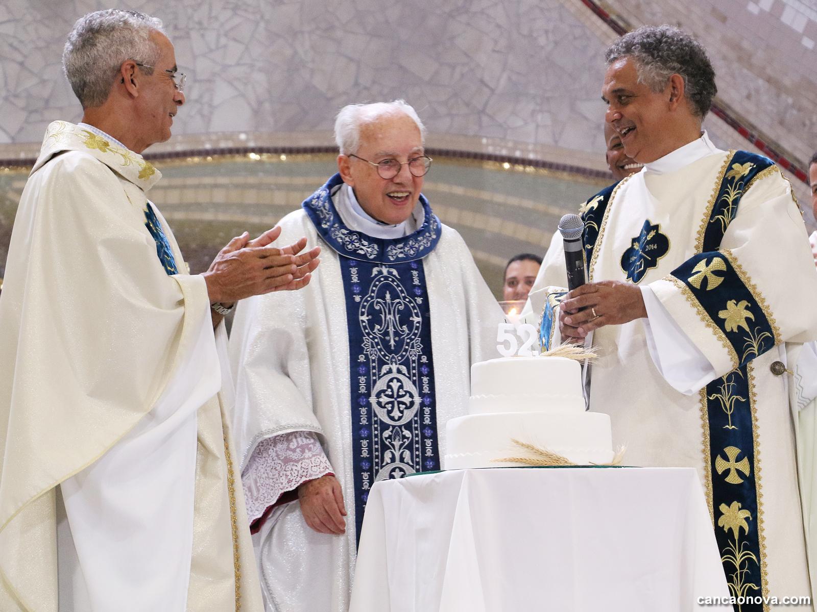 Monsenhor Jonas celebra 52 anos de sacerdócio com Santa Missa