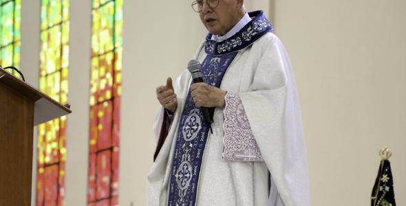 Monsenhor Jonas celebra missa em ação de graças pelos seus 52 anos de sacerdócio.