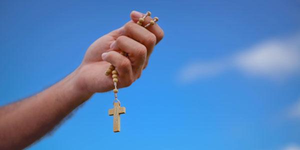 A Oração Do Santo Rosário Nos Aproxima Da Virgem Maria